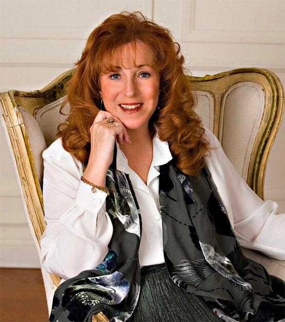 Headshot of Jackie Lapin