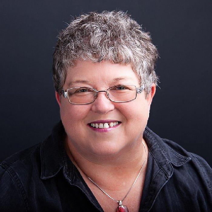 Susan Mac Nicol headshot